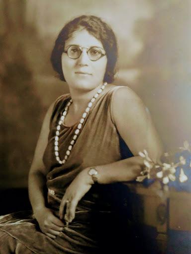 Satenig posing for a portrait, circa late 1920's